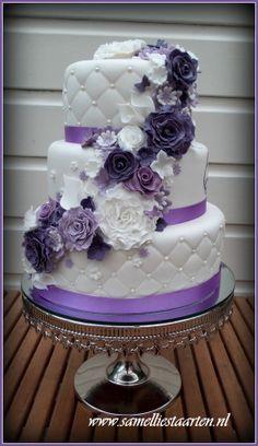 Tort ślubny w najmodniejszej kolorystyce sezonu (źródło: pinterest)