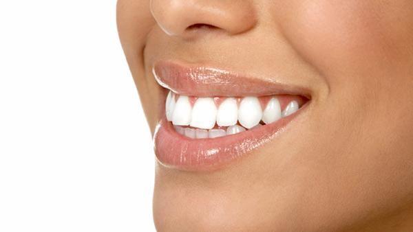 Bielsze zęby (źródło: pinterest)