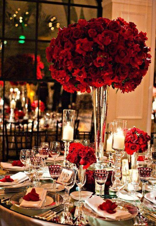 Romantyczny nastrój zapewnią czerwone bukiety kwiatów (źródło: pinterest)