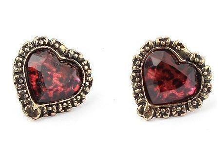 Kolczyki stylizowane na vintage (źródło: www.mybyze.com)