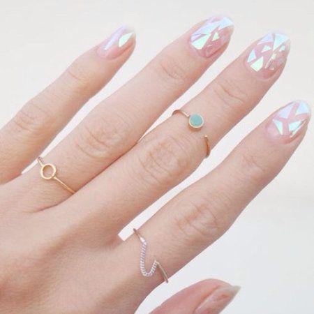 ślubny manicure - glass nails