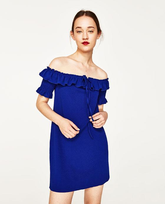 granatowa sukienka na wesele przed kolano z cold shoulder