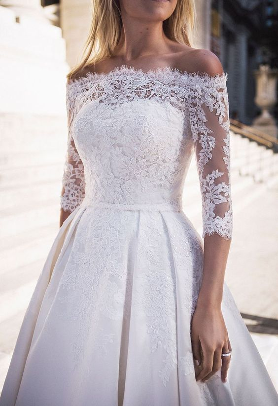 suknią ślubna odsłaniająca ramiona